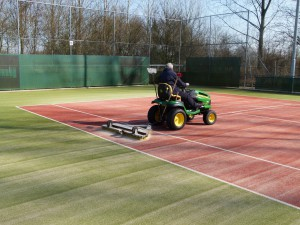 Onderhoud tennisbaan